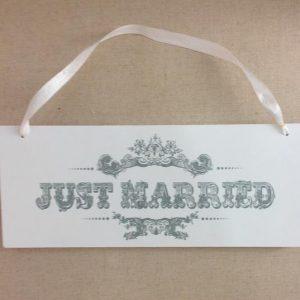 Just Married Vintage Sign