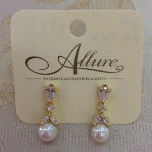 Dainty Gold & Pearl Earrings