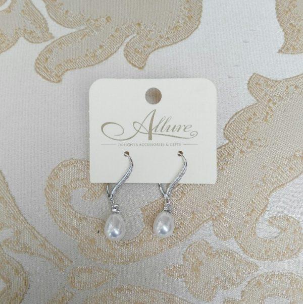 Classical Vintage Style Pearl Drop Earrings