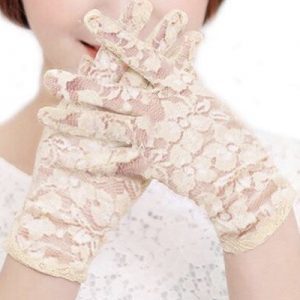 Beige Lace Gloves